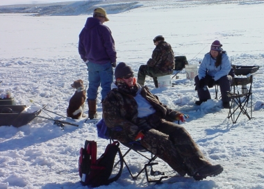 groups of ice anglers at Malheur Reservoir