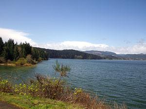 Henry Hagg Lake on a clear day