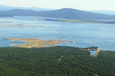 Wickiup Reservoir offers challenging fishing for abundant kokanee and for brown trout up to 20-inches.